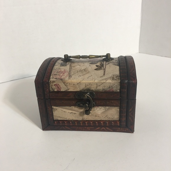 Small Elegant Chest Style Trinket Box!